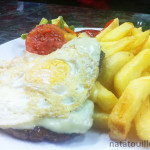 Hamburguesa en plato_El Enano