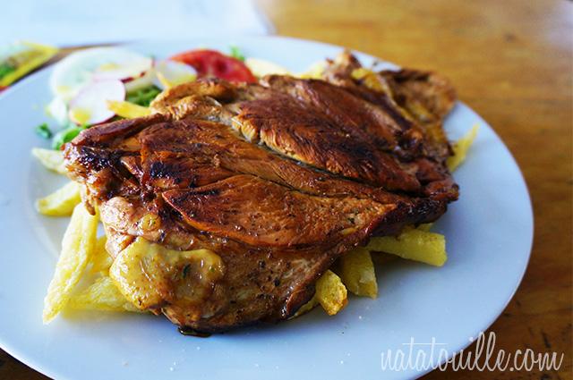 Pollo deshuesado con papas y arroz