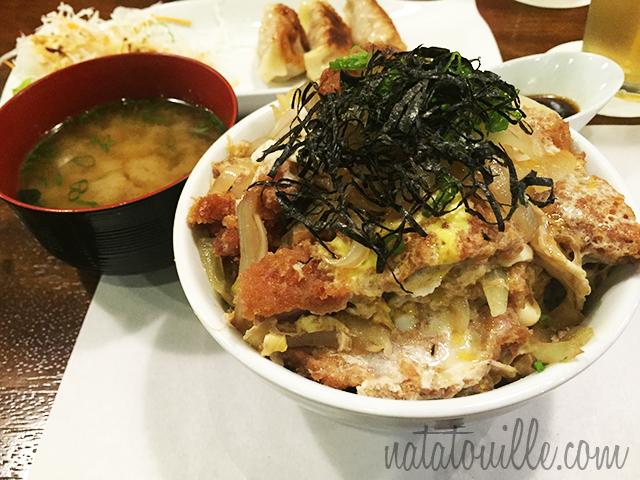 Katsudon con Misoshiru_Yakitori