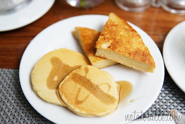 Pancakes y Tostada Francesa_Crowne Plaza Hotel